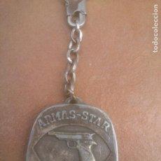 Coleccionismo de llaveros: ANTIGUO PUBLICIDAD ARMAS STAR EIBAR.BONIFACIO ECHEVERIA.. Lote 277305018