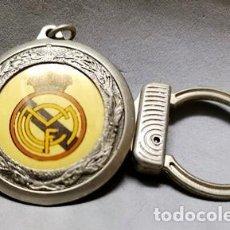 Coleccionismo de llaveros: LLAVERO DE METAL ESMALTADO DEL REAL MADRID - A-LLAV-14596 - B-468. Lote 278701833