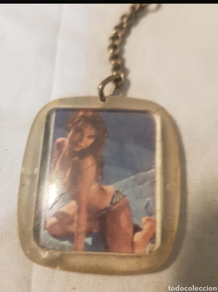 Coleccionismo de llaveros: Llavero de los años 60 70 con mujeres en bikini - Foto 2 - 279497508