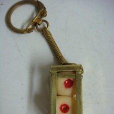 Colecionismo de porta-chaves: LLAVERO PAREJA DE DADOS CON SU CAJETIN-(&). Lote 287167033
