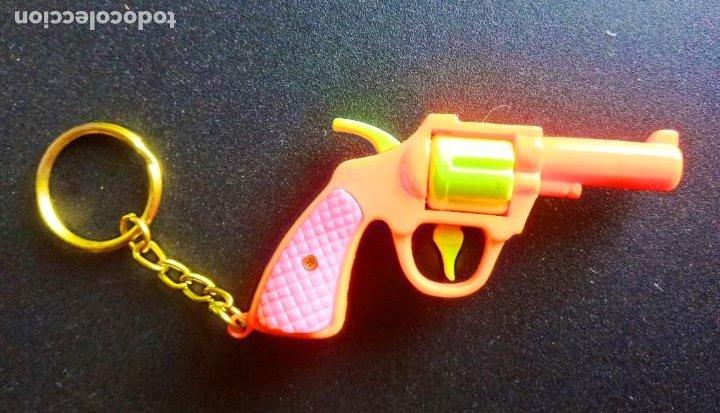 Coleccionismo de llaveros: llavero - fantasia - pistola - plastico - cadena metal - años 90 - Foto 2 - 288579318