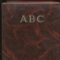 Coleccionismo de Los Domingos de ABC: VIDA DE FRANCO ABC PRENSA ESPAÑOLA ABC BLANCO Y NEGRO LETRAS DORADAS LCV368. Lote 52626998