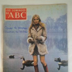 Coleccionismo de Los Domingos de ABC: LOS DOMINGOS DE ABC. 6 ENERO 1974. BRITT EKLAND EN PORTADA. Lote 56231486