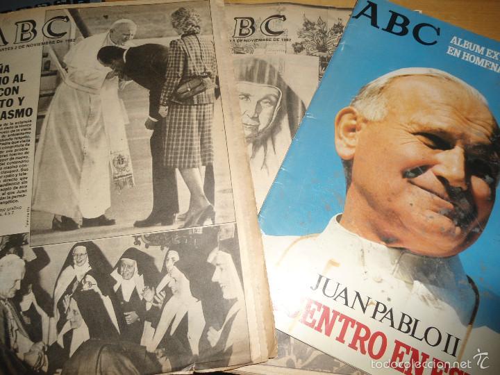 LOTE PERIODICOS DIARIO ABC AÑO 1982 - JUAN PABLO II (Coleccionismo - Revistas y Periódicos Modernos (a partir de 1.940) - Los Domingos de ABC)