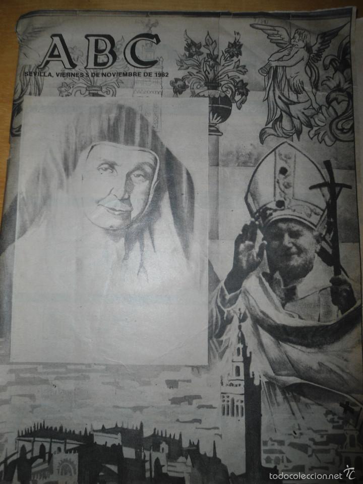 Coleccionismo de Los Domingos de ABC: LOTE PERIODICOS DIARIO ABC AÑO 1982 - JUAN PABLO II - Foto 7 - 58744540