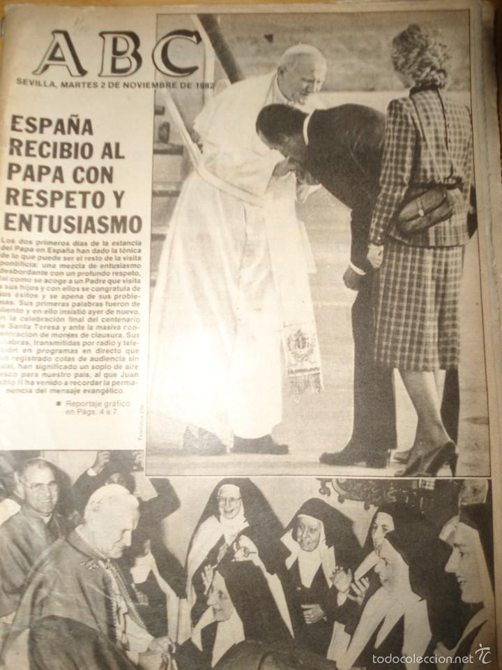 Coleccionismo de Los Domingos de ABC: LOTE PERIODICOS DIARIO ABC AÑO 1982 - JUAN PABLO II - Foto 12 - 58744540