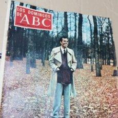 Coleccionismo de Los Domingos de ABC: LOTE ANTIGUAS REVISTAS LOS DOMINGOS DE ABC. Lote 182331741