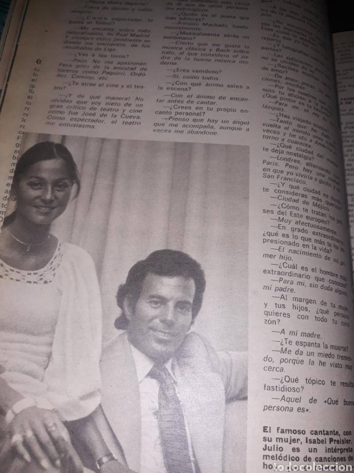 Coleccionismo de Los Domingos de ABC: JULIO IGLESIAS , EL CANTOR AL QUE ACOMPAÑA UN ÁNGEL. 4 PAGINAS . AÑO 1975 - Foto 3 - 194528385