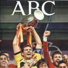 Coleccionismo de Los Domingos de ABC: ABC ENFOQUE 2012. Lote 238789590