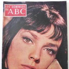 Coleccionismo de Los Domingos de ABC: REVISTA LOS DOMINGOS DE ABC MARIE LAFORET LAWRENCE OLIVIER MINGOTE CAFÉ DE CHINITAS LA CHUNGA KIRAZ. Lote 288611208