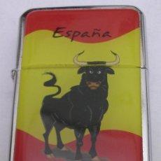 Mecheros: MECHERO O ENCENDEDOR TIPO ZIPPO ` ESPAÑA ´ CON MOTIVO DE BANDERA ESPAÑOLA Y TORO BRAVO. Lote 95568368