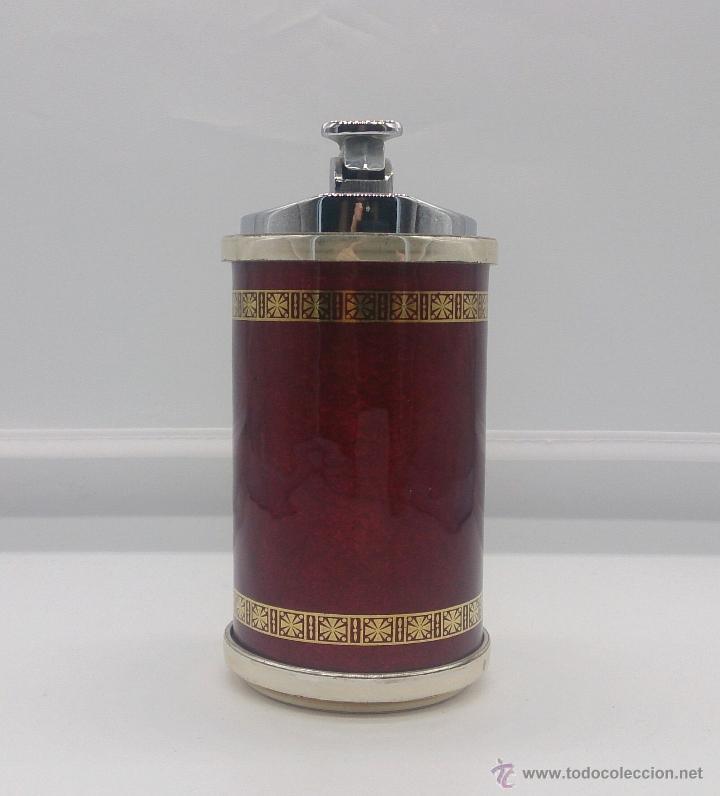 Mecheros: Mechero antiguo chapado en plata de ley con esmalte rojo al fuego, escudo de Vigo y cenefa en oro . - Foto 3 - 53596452