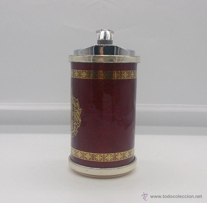 Mecheros: Mechero antiguo chapado en plata de ley con esmalte rojo al fuego, escudo de Vigo y cenefa en oro . - Foto 5 - 53596452