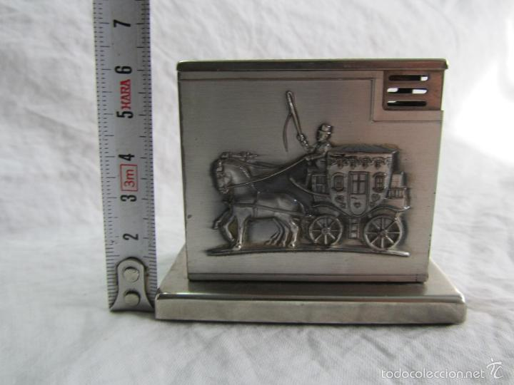 Mecheros: Mechero alemán de sobremesa Augusta Patent Carroza victoriana - Foto 2 - 142595269