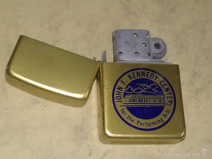 MECHERO TIPO ZIPPO - STORM KING - JOHN F. KENEDY CENTER - USA (Coleccionismo - Objetos para Fumar - Mecheros)