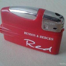 Mecheros: MECHERO/ENCENDEDOR --PLÁSTICO ROJO -- GAS -- BEDSON & HEDGES RED --. Lote 58465716