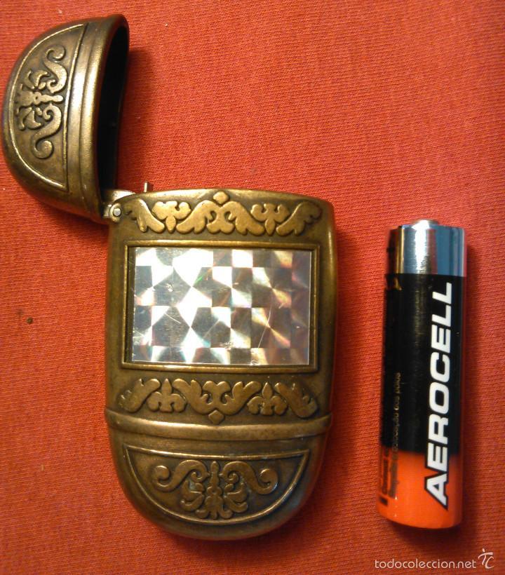 Mecheros: Funda de Metal para Mechero / Encendedor. Carcasa Metálica dorada, color dorado. - Foto 2 - 58642565