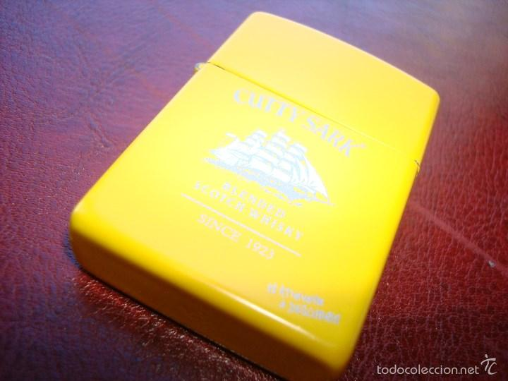 MECHERO TIPO ZIPPO CUTTY SHARK AMARILLO (Coleccionismo - Objetos para Fumar - Mecheros)