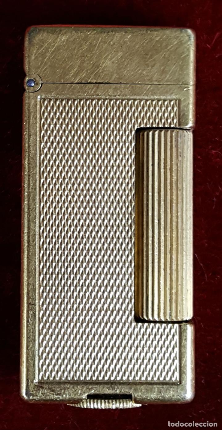 MECHERO DE GASOLINA DUNHILL. CHAPADO EN ORO. SUIZA. CIRCA 1970. (Coleccionismo - Objetos para Fumar - Mecheros)