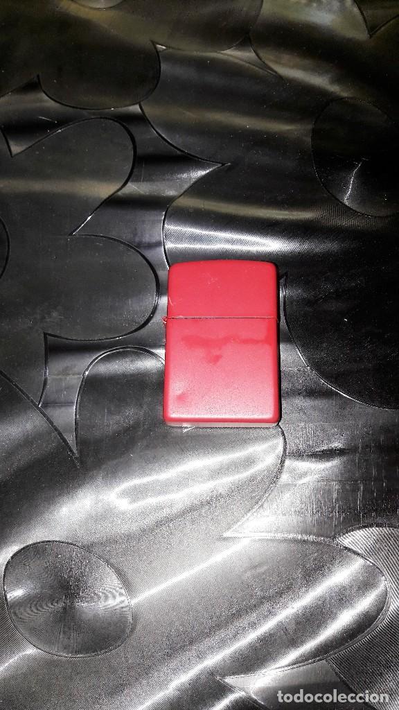 MECHERO TIPO ZIPPO - METÁLICO COLOR ROJO - LISO (Coleccionismo - Objetos para Fumar - Mecheros)