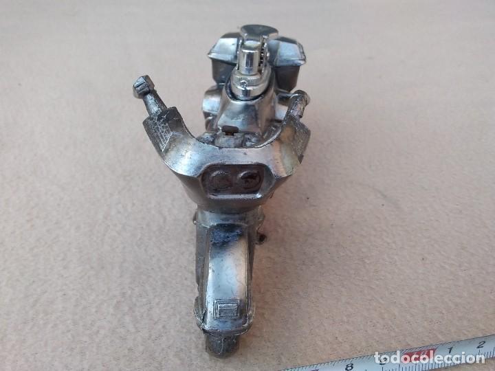 Mecheros: Mechero de mesa (moto de metal) piedra nueva per pierde el gas. Cambiar gomas. (Japón) - Foto 4 - 130408526