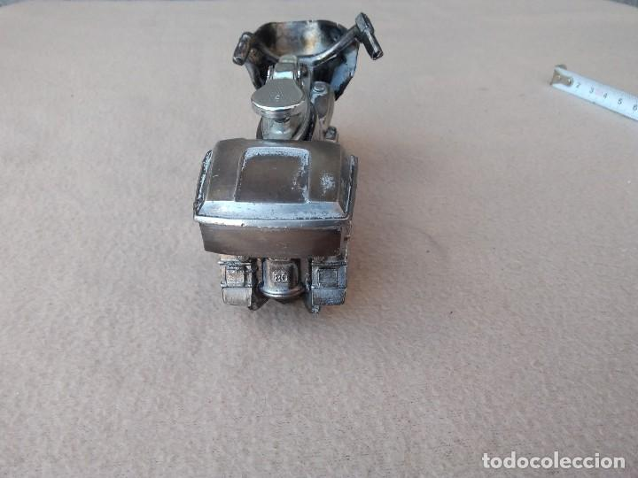 Mecheros: Mechero de mesa (moto de metal) piedra nueva per pierde el gas. Cambiar gomas. (Japón) - Foto 5 - 130408526