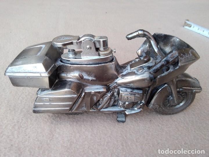 Mecheros: Mechero de mesa (moto de metal) piedra nueva per pierde el gas. Cambiar gomas. (Japón) - Foto 7 - 130408526
