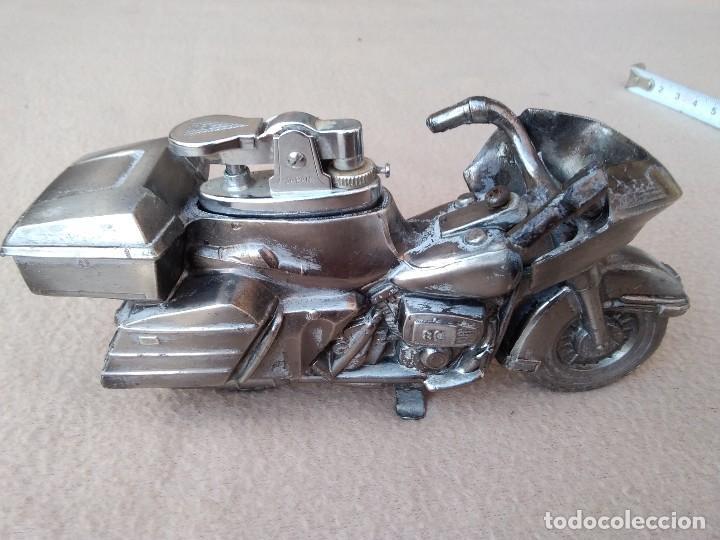 Mecheros: Mechero de mesa (moto de metal) piedra nueva per pierde el gas. Cambiar gomas. (Japón) - Foto 8 - 130408526