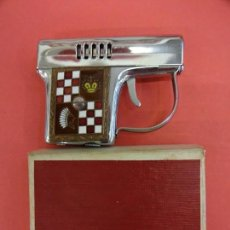 Mecheros: ANTIGUO MECHERO-PISTOLA MARCA CORONA. EN CAJA ORIGINAL. Lote 133300446
