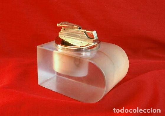 ENCENDEDOR SOBREMESA METAL EN BASE DE METACRILATO (AÑOS 60-70) MECHERO VINTAGE (Coleccionismo - Objetos para Fumar - Mecheros)