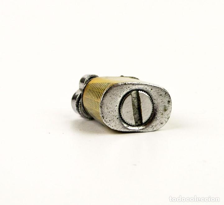 Mecheros: Minúsculo mechero de gasolina con decoración chica pin up - años 50 - Foto 4 - 158590338