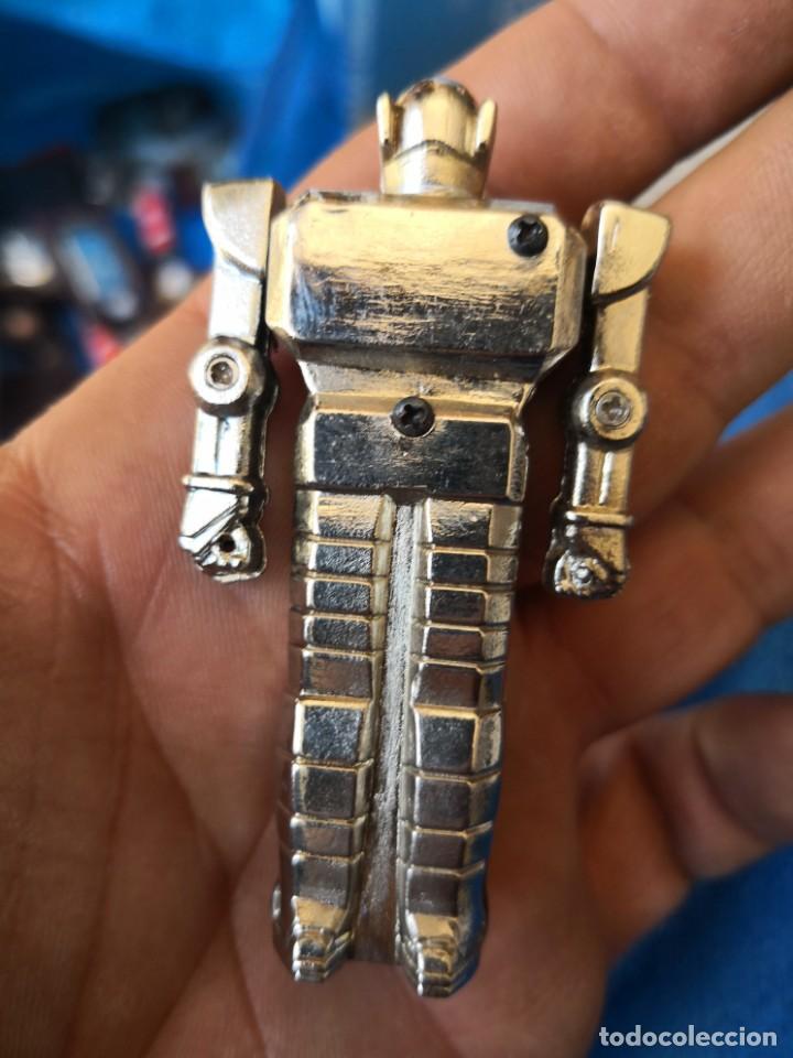 Mecheros: Raro mechero metalico 7 centimetros a gas robot parecido mazinger Z - Foto 2 - 162578014