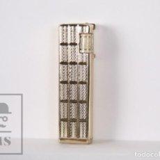 Mecheros: MECHERO VENUS DE KINGSTAR - TONO DORADO CON DETALLES GRABADOS - MEDIDAS 1,5 X 1 X 6,5 CM. Lote 170254956