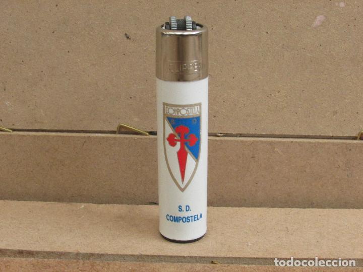 CLIPPER MECHERO FUTBOL - SD COMPOSTELA - ROSCA REDONDA (Coleccionismo - Objetos para Fumar - Mecheros)