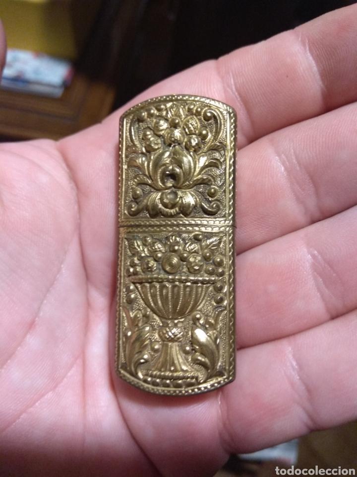 Mecheros: Antiguo Mechero de Latón - Bronce con Grabados - Foto 2 - 176308539
