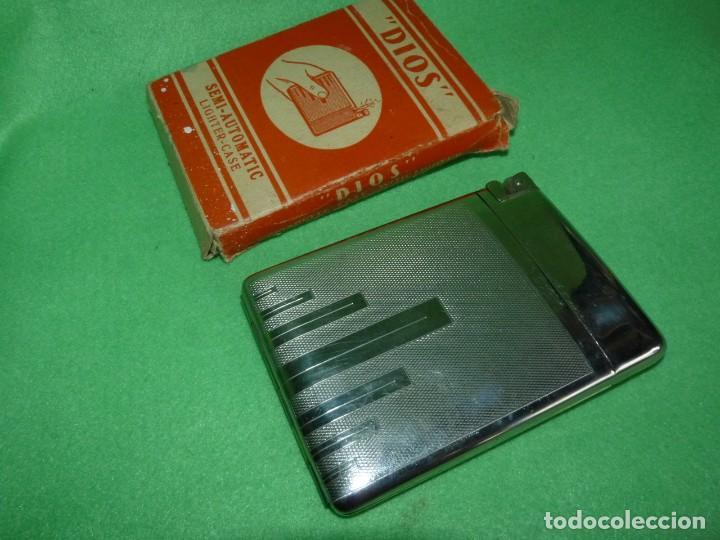 CURIOSA PITILLERA CON MECHERO INCORPORADO TODO METAL GASOLINA COLECCIÓN CIGARRO AÑOS 60 CAJA ORIGEN (Coleccionismo - Objetos para Fumar - Mecheros)