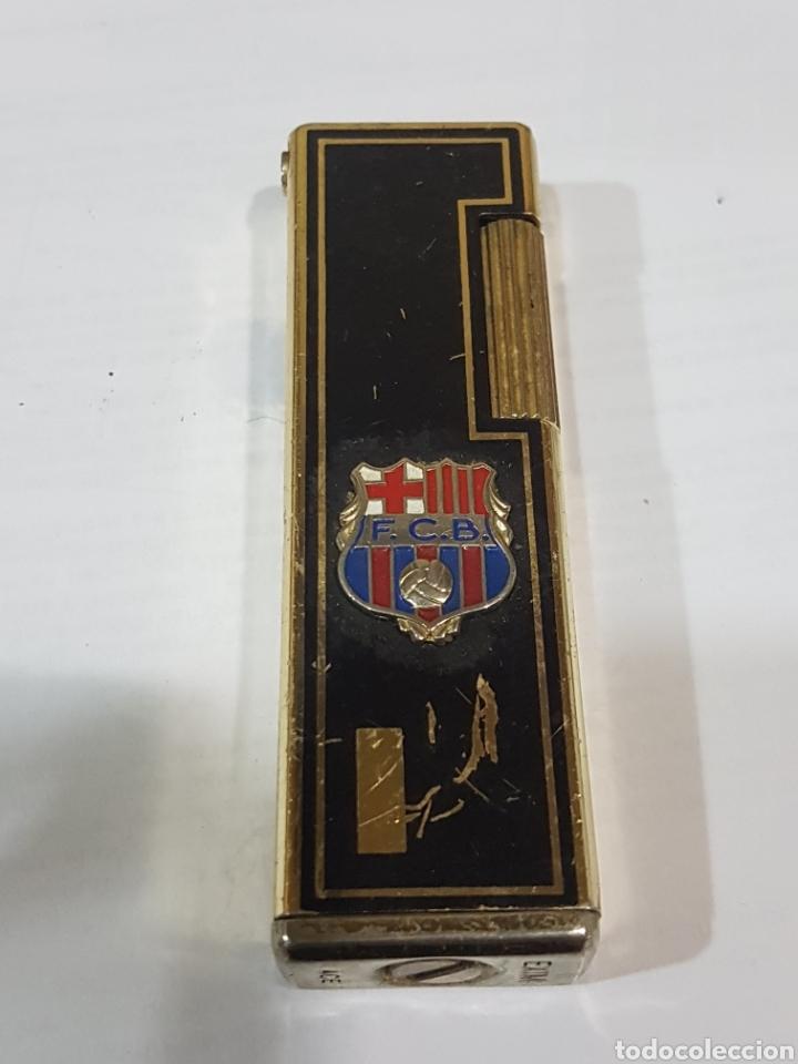 MECHERO CON CHAPA DE F. C. BARCELONA (Coleccionismo - Objetos para Fumar - Mecheros)