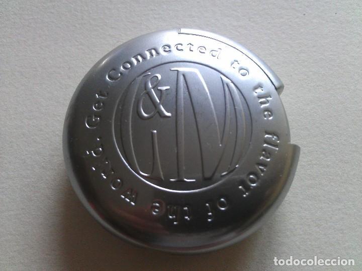 MECHERO METÁLICO L&M - EN PERFECTO ESTADO (Coleccionismo - Objetos para Fumar - Mecheros)
