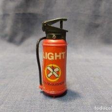 Mecheros: MECHERO GAS LIGHT EXTINGUISHER BOMBONA BOTELLA EXTINTOR 75X35MM. Lote 207727122