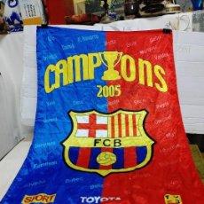 Mecheros: BANDERA FC BARCELONA CAMPIONS 2005 SPORT CON NOMBRES Y FIRMAS AUTENTICAS DE JUGADORES 100X70 CM,. Lote 258829530
