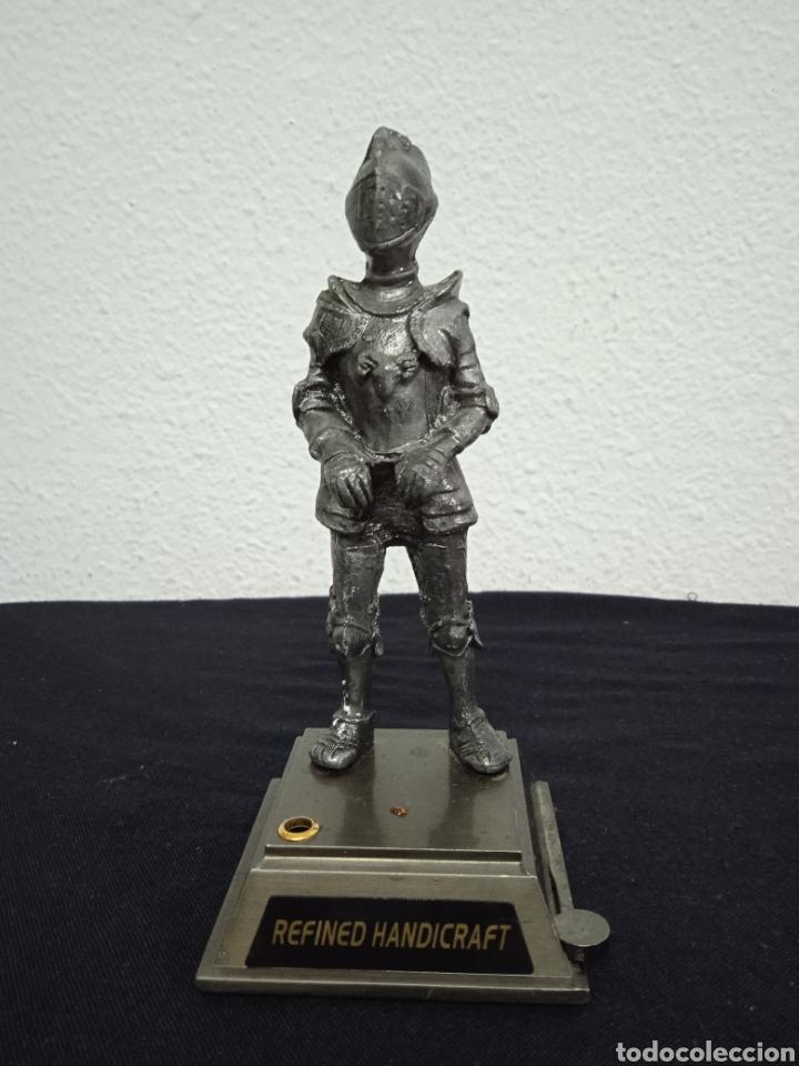 Mecheros: Original mechero de sobremesa con una figura de un soldado de metal regiones handicraft - Foto 2 - 262962455