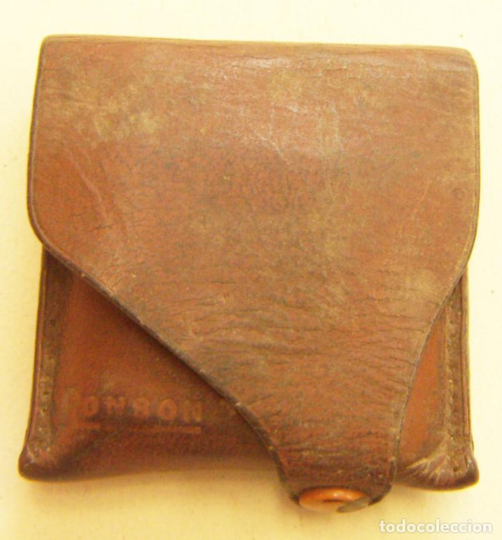 ANTIGUA FUNDA DE CUERO PARA MECHERO RONSON (Coleccionismo - Objetos para Fumar - Mecheros)
