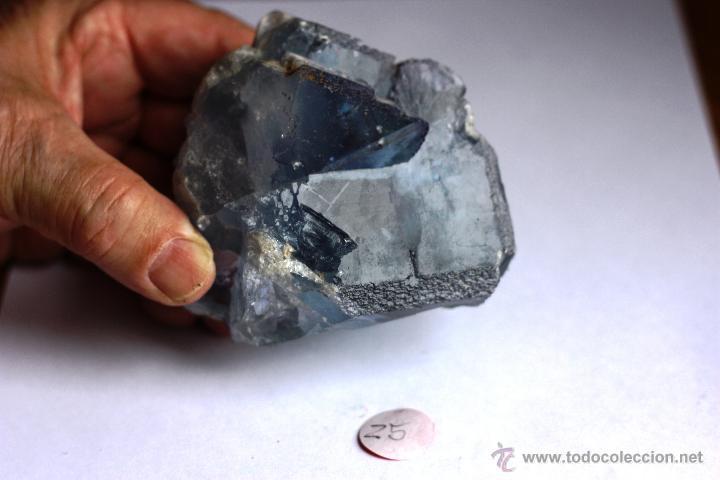FLUORITA CON ARISTAS TRUNCADAS-COLOR AZUL VIOLETA (Coleccionismo - Mineralogía - Otros)