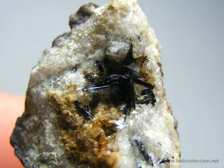 Coleccionismo de minerales: FD MINERALES: GOETHITA ACICULAR SOBRE CUARZO - GUADALAJARA - GUAD 8 - Foto 4 - 45160475