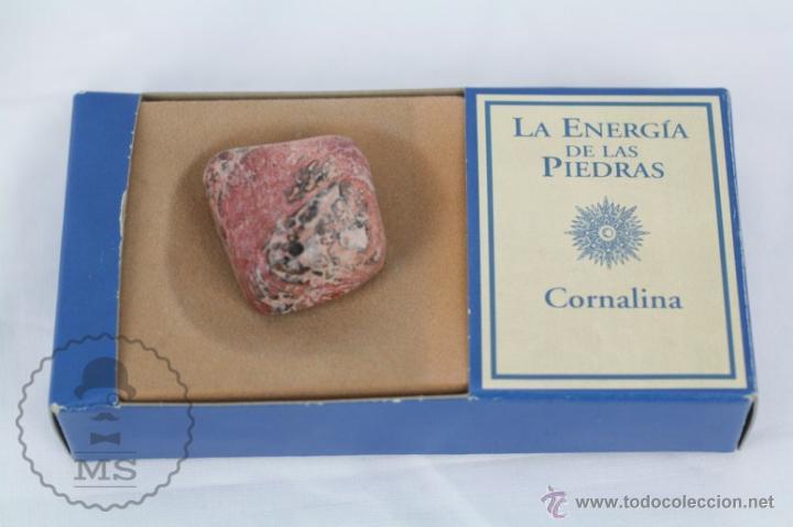 MINERAL / PIEDRA DE COLECCIÓN / FASCÍCULO LA ENERGÍA DE LAS PIEDRAS - CORNALINA (Coleccionismos - Mineralogía - Otros)