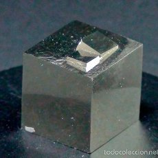 Coleccionismo de minerales: PIRITAS - CURIOSO CUBO DE PIRITA CON MACLAS - ESPAÑA. Lote 55113894