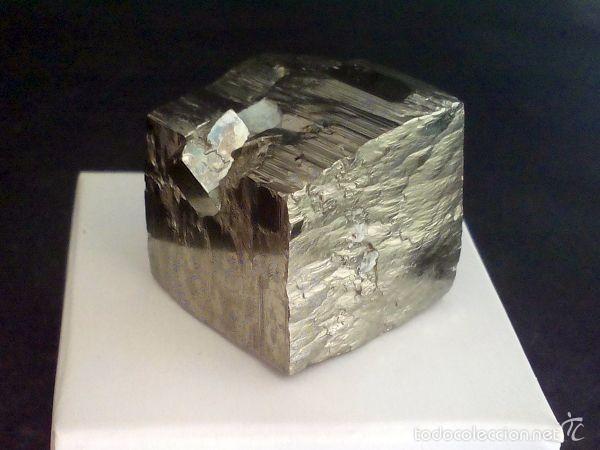 PIRITAS - CUBO DE PIRITA CON MACLA - ESPAÑA (Coleccionismo - Mineralogía - Otros)