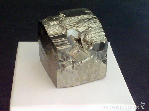 Coleccionismo de minerales: PIRITAS - CUBO DE PIRITA CON MACLA - ESPAÑA - Foto 3 - 107378684