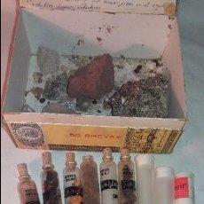 Coleccionismo de minerales: LOTE COLECCION DE PIEDRAS, BOTES TARROS DE CRISTAL Y PLASTICO , ENTRA TODO.. Lote 66773906