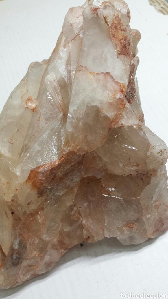 Coleccionismo de minerales: Gran Gema de Quarzo cristalinode con reflejos en rosa de 3500 gramos - Foto 4 - 77840178